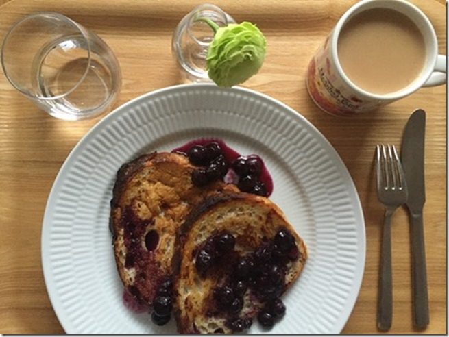 french toast with blueberry maple syrup (4)