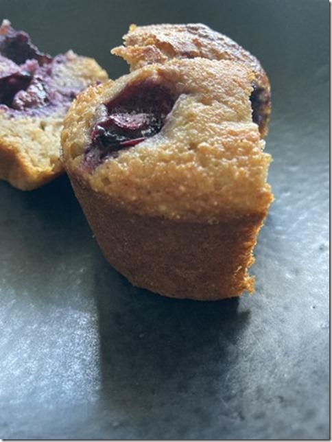 lemon banana blueberry muffins (12)